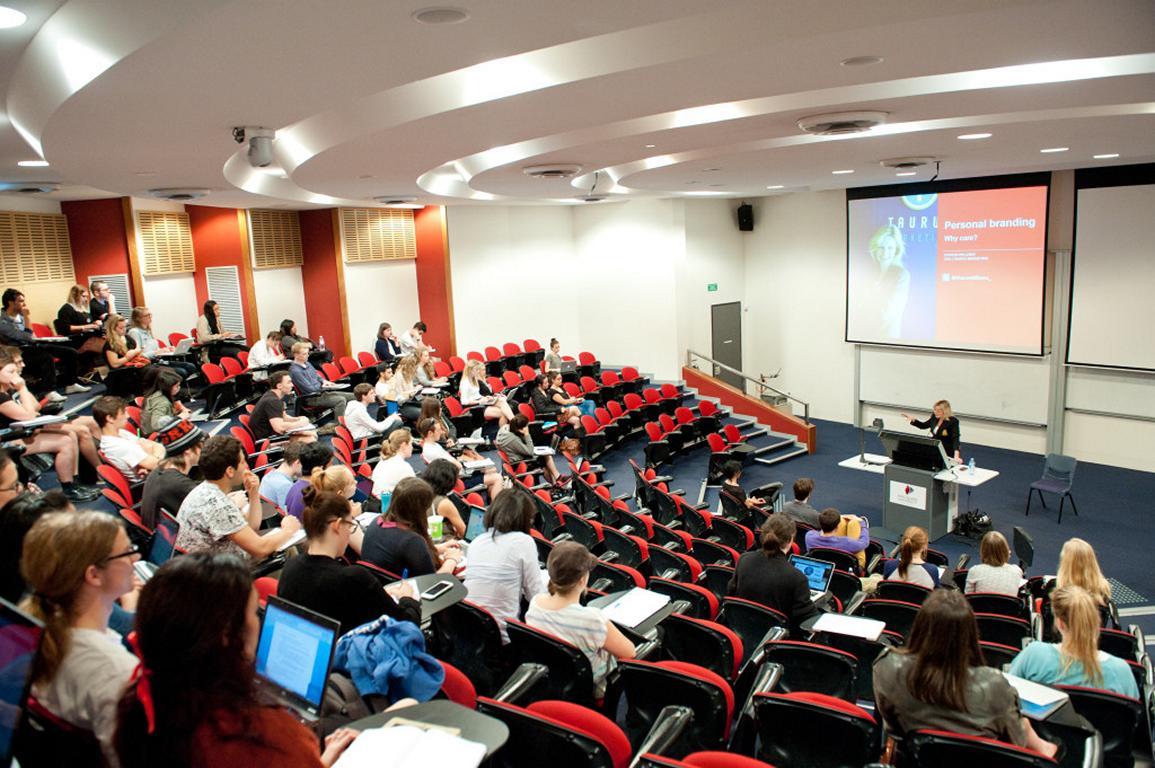 UC- Macquarie-Uni